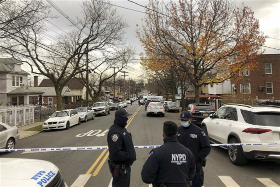 Suspect killed, 2 U.S. Marshals wounded in Bronx shootout, sources say